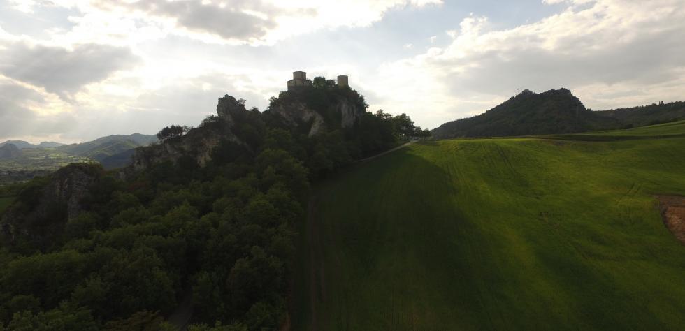 Valmarecchia sperone di roccia Santuario Madonna di Saiano