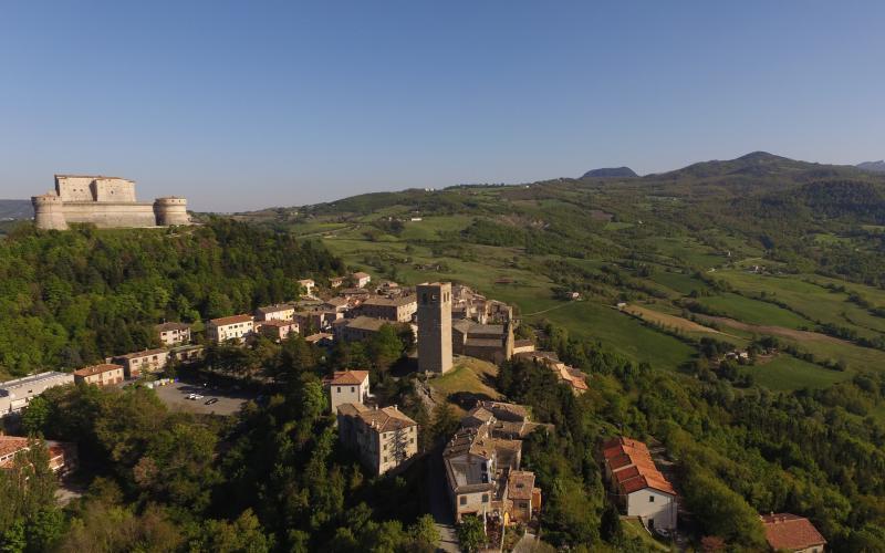 la fortezza, il duomo di San Leo e la Valmarecchia